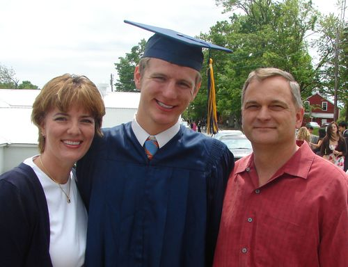 The Graduate with Mom & Dad 09