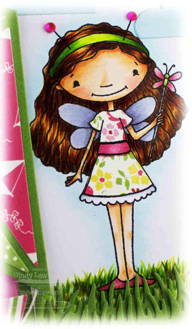 Doodle-Garden-Fluttering-By-1-Close-Up---OHS