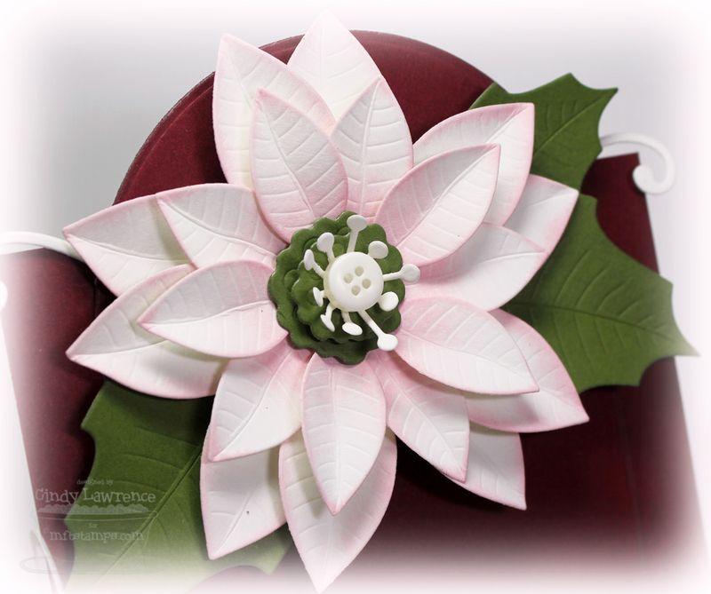Die-namics Christmas Poinsettia Close-Up
