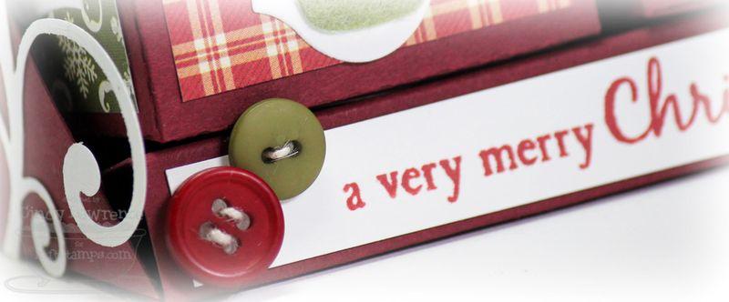 MFT Die-namics Christmas Buttons Close-Up