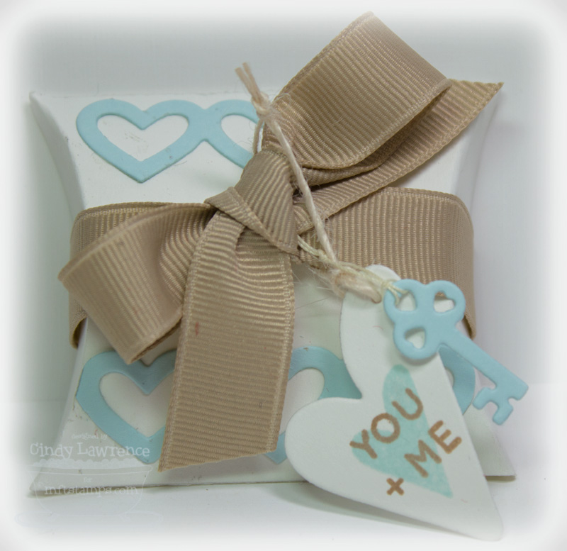 Homespun Hearts 2 Ivory Pillow Box - OHS