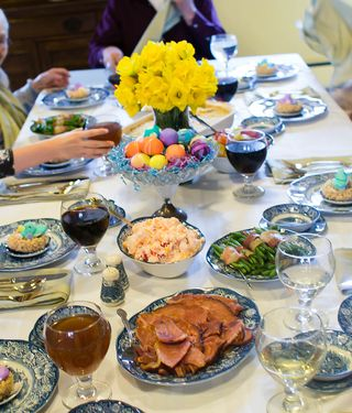 Easter-Table-2015-FB---OHS